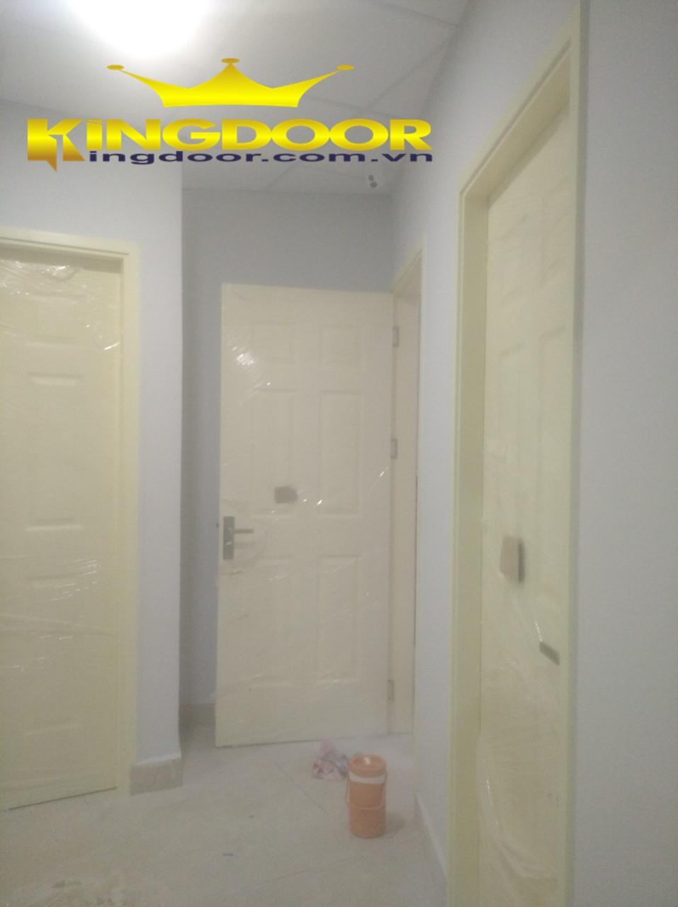 Cửa gỗ phòng ngủ HDF tại nhà khách hàng